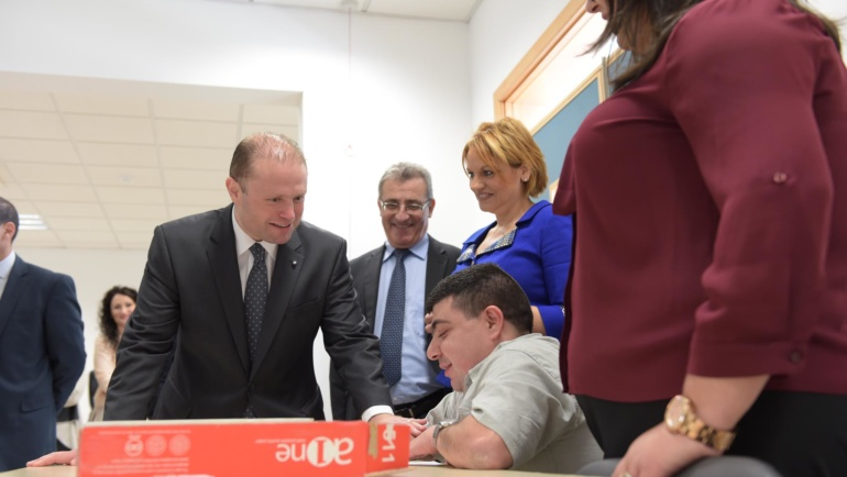Prime Minister visits the LSF Centre